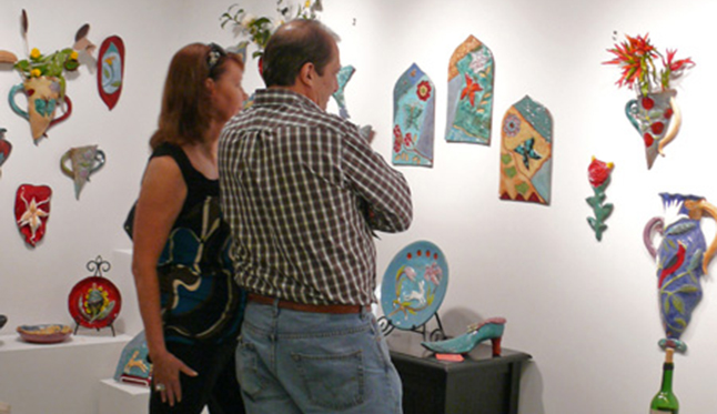 Visitors to Cathy Kiffney's Studio